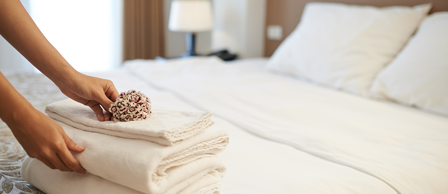 OUR NEWLY RENOVATED ROOMS OFFER TOP AMENITIES