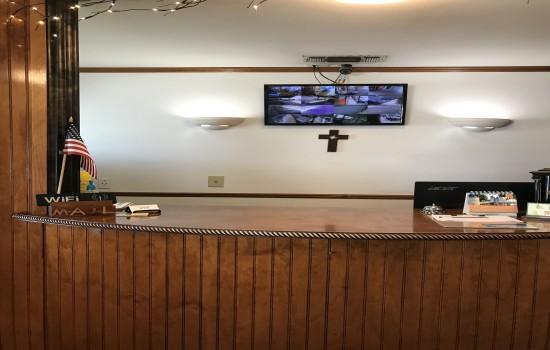 Welcome To Lockhart Inn - Front Desk